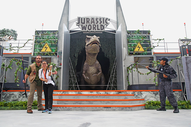 USS Jurassic World: Explore and Roar
